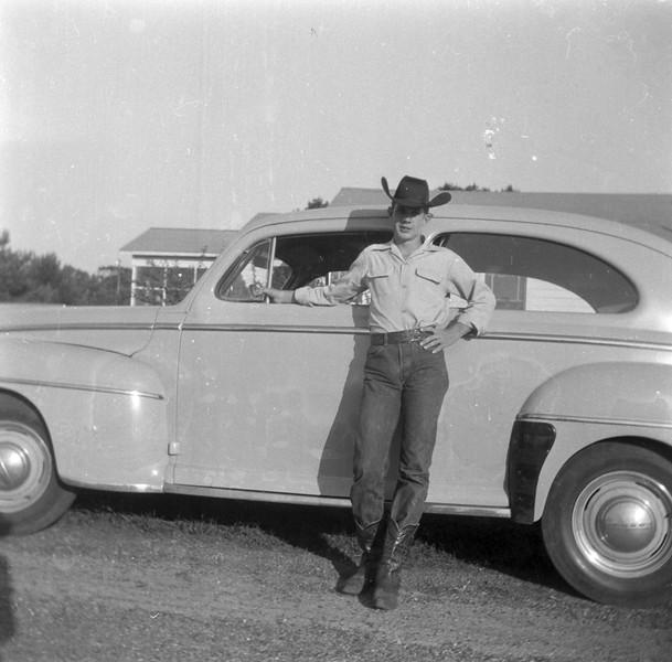 1940s-D10-32