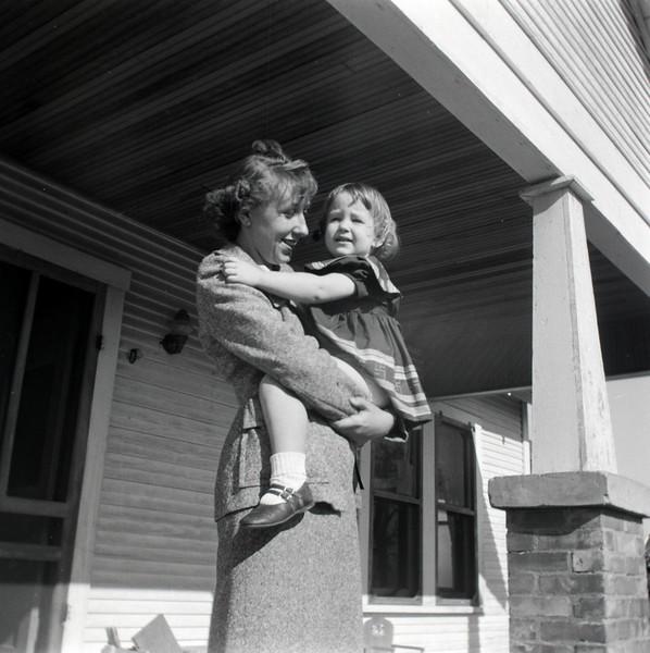 1940s-D10-17
