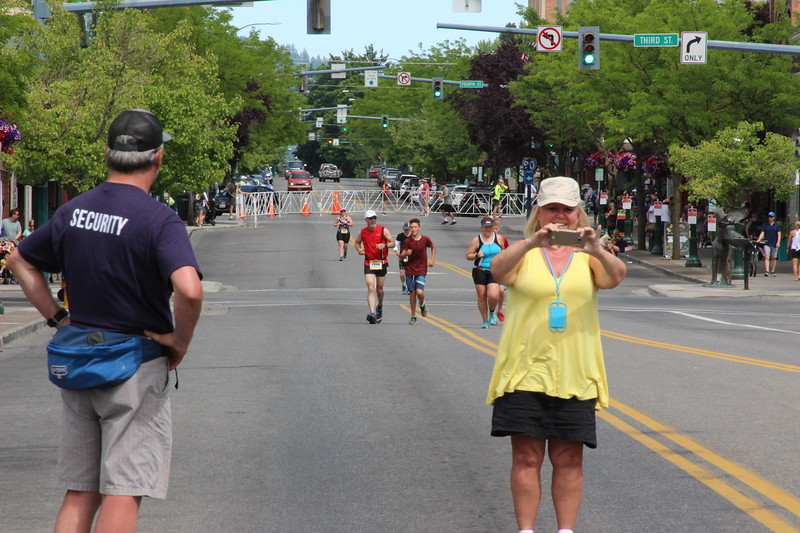 Ray & Luke running towards the finish line.  Unfortunately that lady in Yellow got in the way of my shots.
