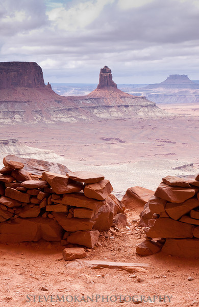 """Once you're up """"in"""" the False Kiva, you look out onto one of the most majestic scenes I've ever witnessed.  It's a truly magical place, and it was even better since I was the only one there."""