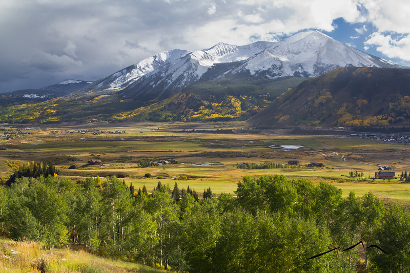 The view from Mt. Crested Butte over the valley to Whetstone Mt. was amazing after a light dusting of snow.