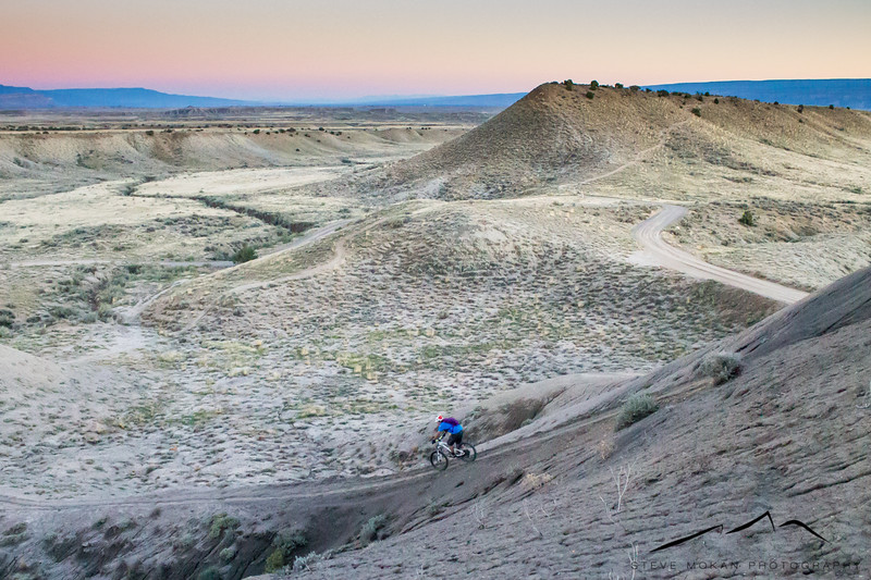 IMAGE: http://www.stevemokanphotography.com/Re/Fruita-Mountain-Bike-Trip-Oct-/i-xk7zLv2/0/L/FruitaMTB-9-L.jpg