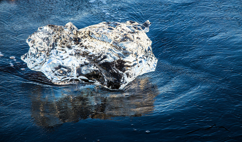 One of the smaller icebergs on the black sand beach.  Truly a beautiful sight.