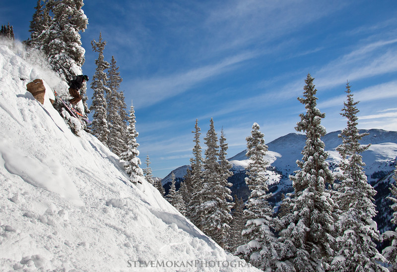 Black jackets and good skiing photography don't mix.... let's hope Erik finds a nice bright colored jacket soon.