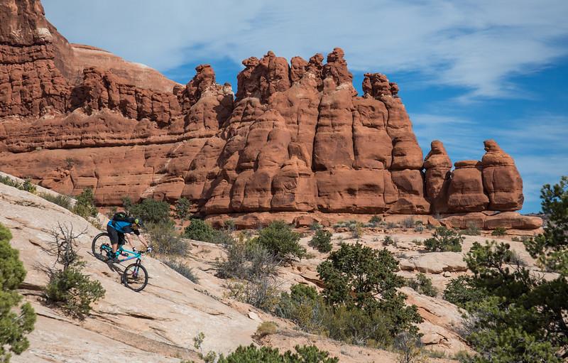 IMAGE: http://www.stevemokanphotography.com/Re/Moab-Mountain-Biking-Nov-15/i-2R3CNrQ/0/L/MoabTrip-36-L.jpg