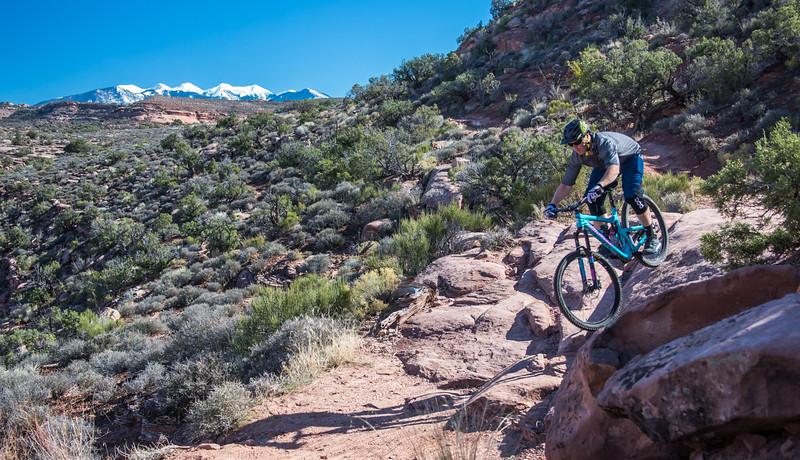 IMAGE: http://www.stevemokanphotography.com/Re/Moab-Mountain-Biking-Nov-15/i-628K4MF/0/L/MoabTrip-23-L.jpg