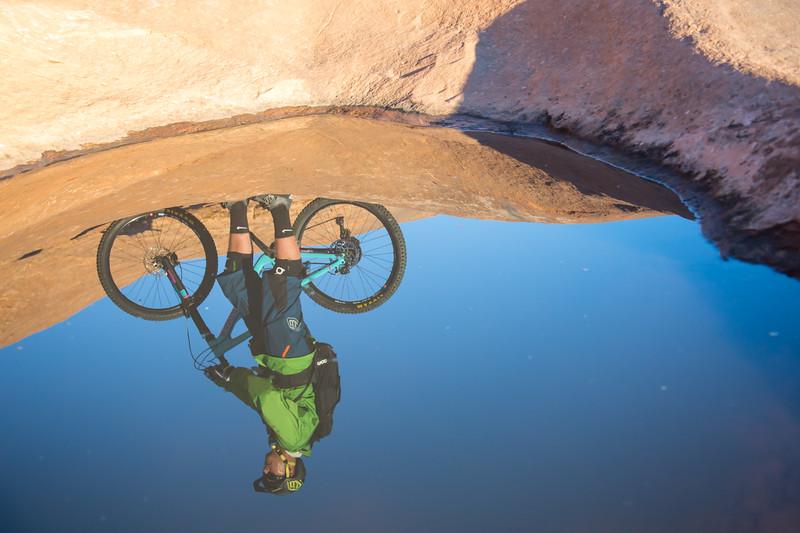 IMAGE: http://www.stevemokanphotography.com/Re/Moab-Mountain-Biking-Nov-15/i-JSPsS9c/0/L/MoabTrip-27-L.jpg