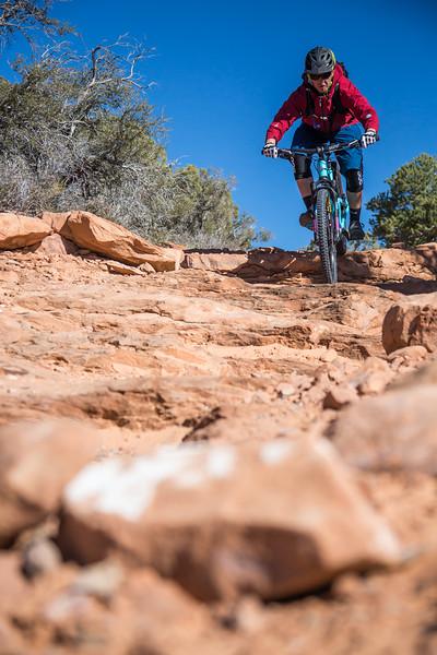 IMAGE: http://www.stevemokanphotography.com/Re/Moab-Mountain-Biking-Nov-15/i-K6xDHv4/0/L/MoabTrip-17-L.jpg
