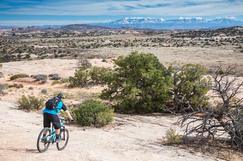 IMAGE: http://www.stevemokanphotography.com/Re/Moab-Mountain-Biking-Nov-15/i-RXNXTBn/0/L/MoabTrip-39-L.jpg