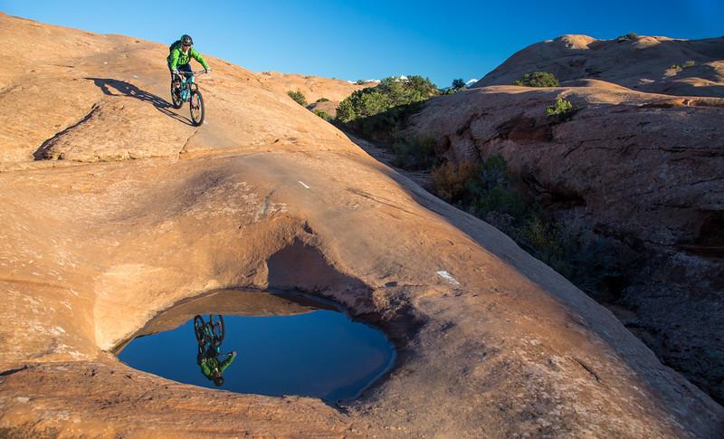 IMAGE: http://www.stevemokanphotography.com/Re/Moab-Mountain-Biking-Nov-15/i-SrftGZv/0/L/MoabTrip-28-L.jpg