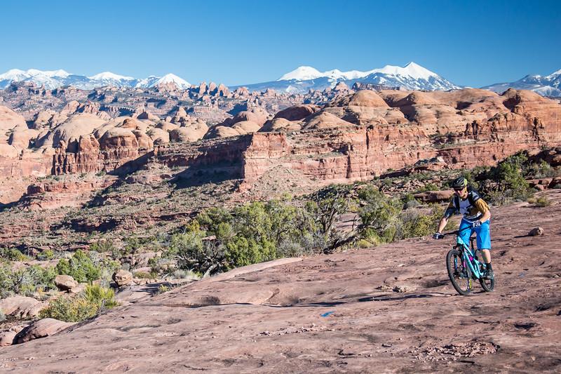 IMAGE: http://www.stevemokanphotography.com/Re/Moab-Mountain-Biking-Nov-15/i-pLzqd38/0/L/MoabTrip-5-L.jpg