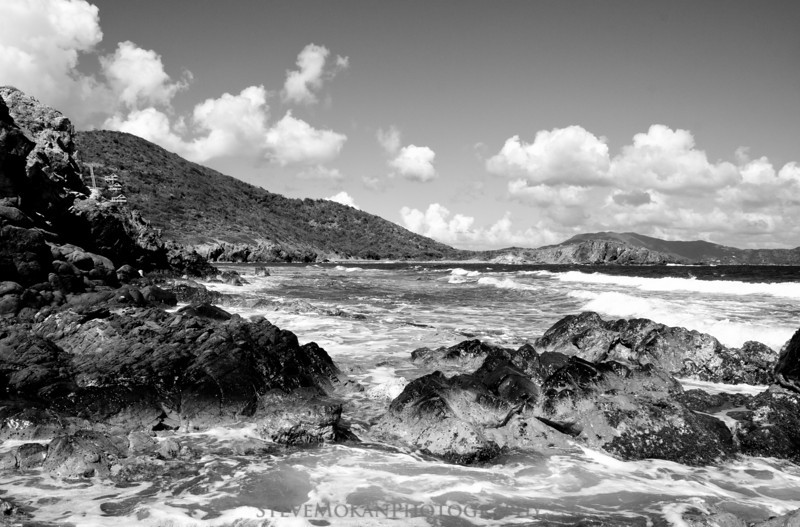 Black and white truly gives Drunk Bay the rugged feel it deserves.