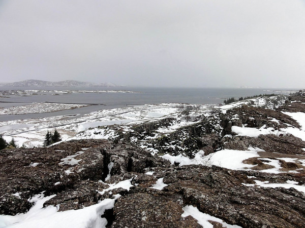Cold and snowy on the continental fault in Iceland