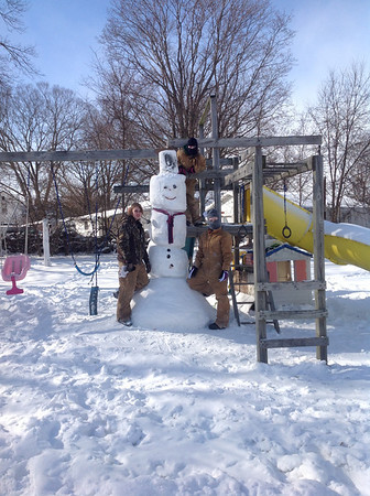 9ft. Snowman took ten hrs. Made by Nicole houk, anaisha Becker, and Kyle Clark.<br /> <br /> Photographer's Name: Nicole Houk<br /> Photographer's City and State: Twelve mile, IN