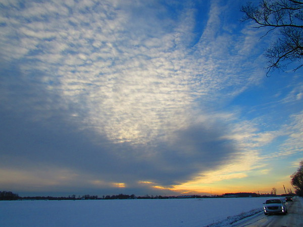 Wednesday skies, seen from South Anderson.<br /> <br /> Photographer's Name: Harry Van Noy<br /> Photographer's City and State: Lafayette Township, Ind.