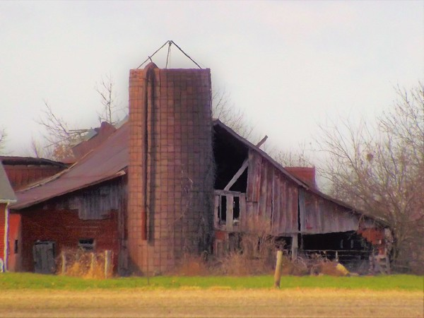 If barns could talk...<br /> <br /> Photographer's Name: J.R. Rosencrans<br /> Photographer's City and State: Alexandria, Ind.