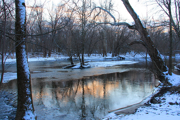 White River at Mounds Park was pretty as the sun was setting on Friday evening.<br /> <br /> Photographer's Name: Jerry Byard<br /> Photographer's City and State: Anderson, Ind.