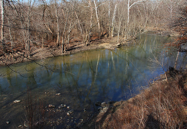 The bend in White River at Mounds Park shows a clean looking and lower water level.<br /> <br /> Photographer's Name: Jerry Byard<br /> Photographer's City and State: Anderson, Ind.