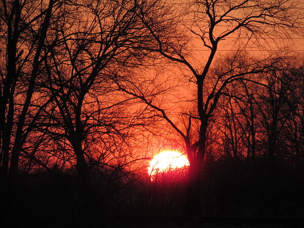 Wednesday's small sunset.<br /> <br /> Photographer's Name: Harry Van Noy<br /> Photographer's City and State: Lafayette Township, Ind.