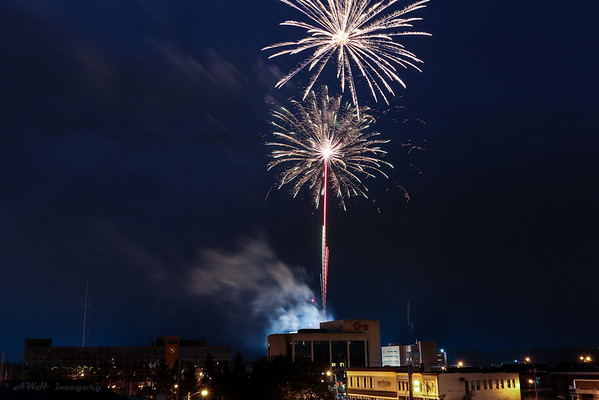 2015 Fireworks<br /> <br /> Photographer's Name: Bert Happel<br /> Photographer's City and State: Anderson, Ind.