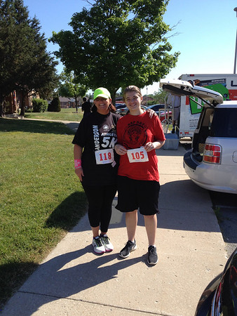 Christina Friend and daughter Lauren ran Anderson's first 5K on Saturday.<br /> <br /> Photographer's Name: Brenda Caldwell<br /> Photographer's City and State: Anderson, Ind.