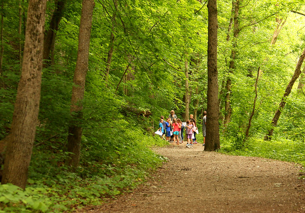 Some students were on an educational hike at Mounds Park along Trail 5 by the river.<br /> <br /> Photographer's Name: Jerry Byard<br /> Photographer's City and State: Anderson, Ind.