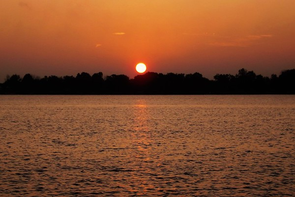 Sunrise at Morse Reservoir.<br /> <br /> Photographer's Name: J.R. Rosencrans<br /> Photographer's City and State: Alexandria, Ind.