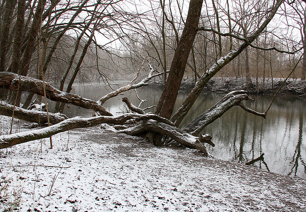 Saturday's snow lightened the river scene at Mounds Park.<br /> <br /> Photographer's Name: Jerry Byard<br /> Photographer's City and State: Anderson, Ind.