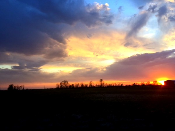 A beautiful sunset near Elwood on May 17.<br /> <br /> Photographer's Name: Harry Kirchenbauer<br /> Photographer's City and State: Anderson, Ind.