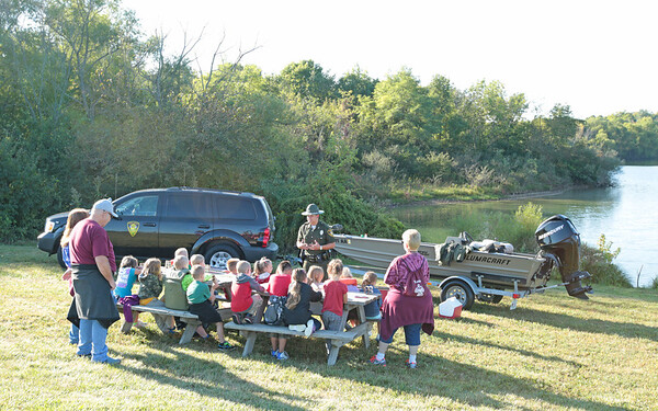 A DNR conservation officer providing water safety training for South Henry County School corporation students at Summit Lake State Park this morning.<br /> <br /> Photographer's Name: Pete Domery<br /> Photographer's City and State: Markleville, Ind.