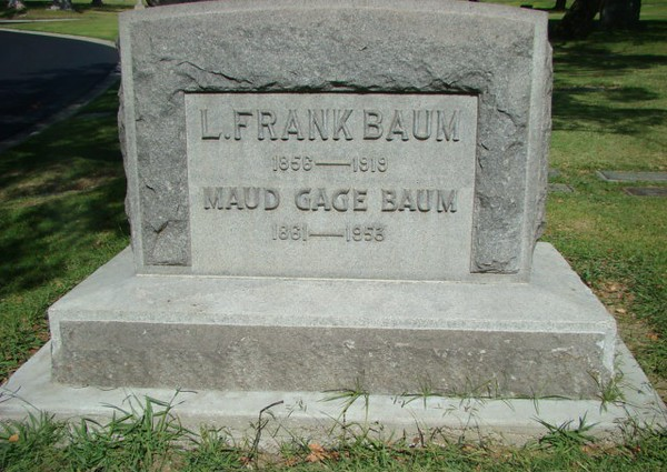 Lyman Frank Baum, Forest Lawn Memorial Park, Los Angeles.<br /> <br /> Photographer's Name: Jack D. Reynolds<br /> Photographer's City and State: Anderson, Ind.