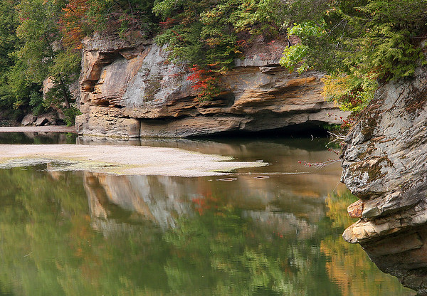 Sugar Creek at Turkey Run State Park as color is appearing as fall approaches.<br /> <br /> Photographer's Name: Jerry Byard<br /> Photographer's City and State: Anderson, Ind.