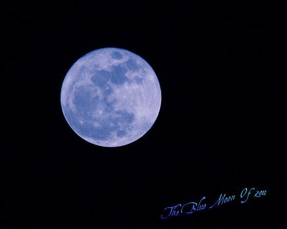 <b>Submitted By:</b> Randal S Hart <b>From:</b> traverse city <b>Description:</b> blue moon...
