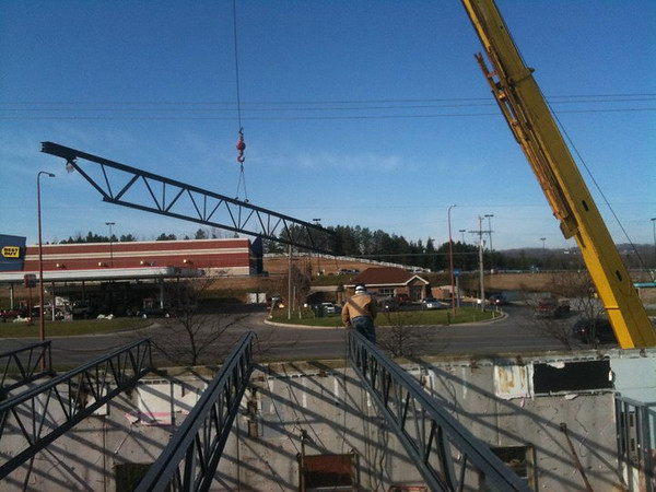 <b>Submitted By:</b> mike dunn <b>From:</b> fife lake <b>Description:</b> building buffalo wild wings in traverse city