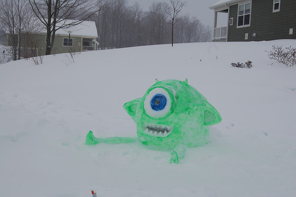 Eliza Somsel & her cousins build Mike Wazowski from Monsters, Inc<br /> <br /> Photographer's Name: Steve Somsel<br /> Photographer's City and State: Traverse City, MI