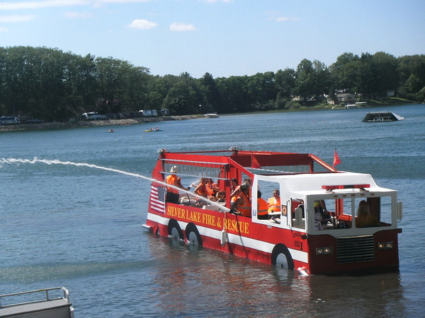 <b>Submitted By:</b> Pamela Salisbury <b>From:</b> Traverse City, MI  <b>Description:</b> 2010 Silver Lake July 4th boat parade.