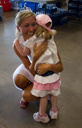 <b>Submitted By:</b> Peggy Zinn <b>From:</b> traverse city <b>Description:</b> Princess makes big impressions on little girl, and gets a big hug