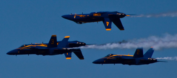 <b>Submitted By:</b> Marcus Beutler <b>From:</b> traverse city <b>Description:</b> Blue Angels