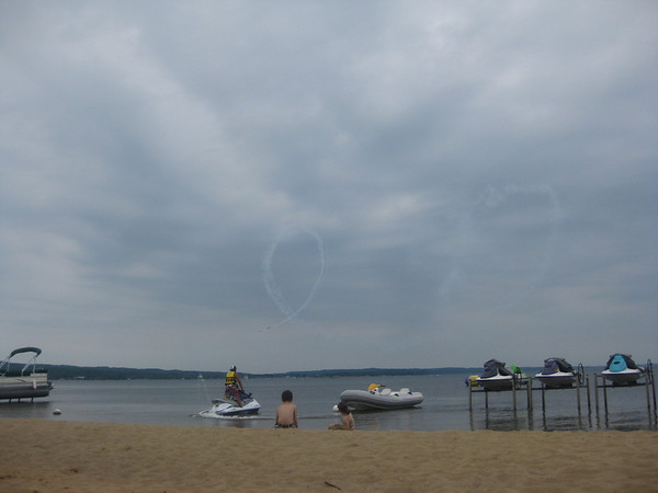"<span style=""display:none"">Email: ssalow@aol.com</span> <b>Submitted By:</b> Sue Smith <b>From:</b> Waterford <b>Description:</b> Watching Airshow from the beach."