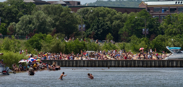 <b>Submitted By:</b> Peggy Zinn <b>From:</b> Traverse City <b>Description:</b> Crowds fill West Bay Beaches for National Cherry Festival Airshow.
