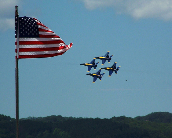 <b>Submitted By:</b> Mac McRoberts <b>From:</b> Manton <b>Description:</b> Blue Angles at the Air show in Traverse City