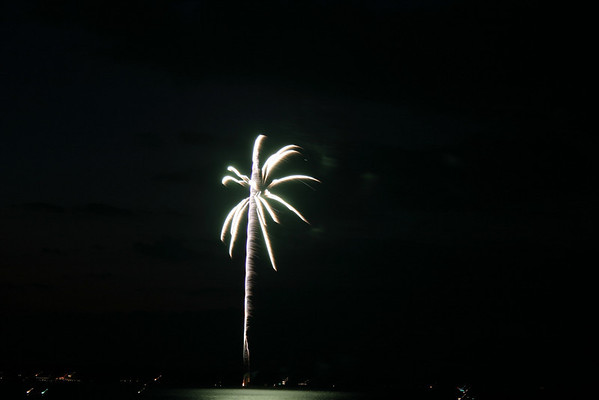 <b>Submitted By:</b> Jeff Belanger <b>From:</b> Traverse City <b>Description:</b> Cherry Fest 2007 over west bay