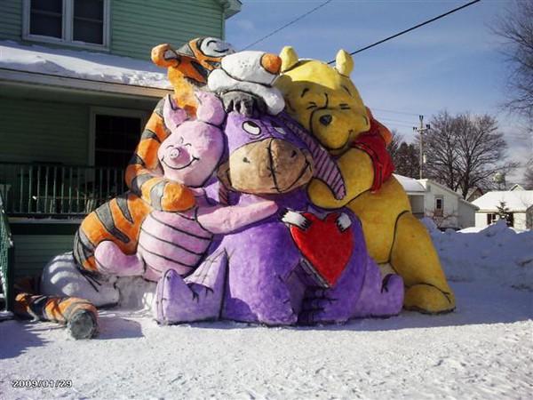 my name is kurt dziesinski this is a snowsculpture i built 1-25-09 in my <br /> front yard in alpena mi.