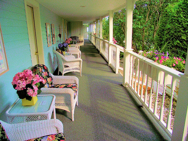 <b>Submitted By:</b> Ron Murden <b>From:</b> Traverse City <b>Description:</b> taken by Ron Murden August 13,2010 at 5:30 pm. West porch of the Metevier Inn, Mackinaw Island, Mi.