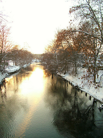 <b>Submitted By:</b> Roxana De La Cruz <b>From:</b> Traverse City, MI <b>Description:</b> Picture was taken on 12/12/2009 in Downtown Traverse City, Michigan