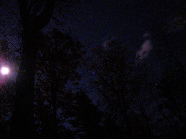 <b>Submitted By:</b> Norma Pszczolkowski <b>From:</b> Traverse City <b>Description:</b> Full moon, Jupiter & halloween appropriate cloud.  Oct. 21, 2010