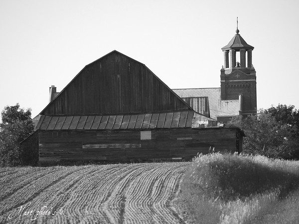 <b>Submitted By:</b> Randal Scot Hart <b>From:</b> traverse city <b>Description:</b> old barn