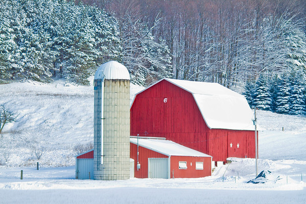 <b>Submitted By:</b> Peggy Sue Zinn <b>From:</b> Traverse City <b>Description:</b> Red Barn