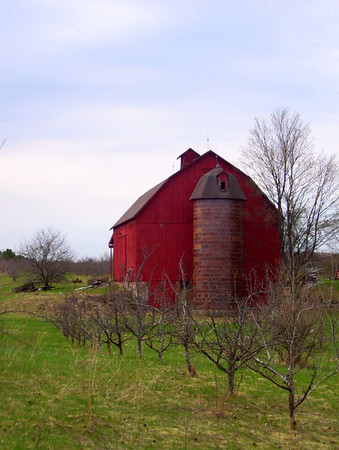 <b>Submitted By:</b> Rick Desrochers <b>From:</b> Empire, Michigan <b>Description:</b> Picture of Red Barn with tiled silo in Alden, Michigan