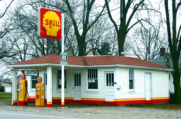 <b>Submitted By:</b> Mark Width <b>From:</b> Rapid City <b>Description:</b> Route 66 Gas Station - December 2009